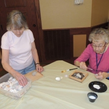 Shoreview Senior Living-Lunch and Crafts (1)