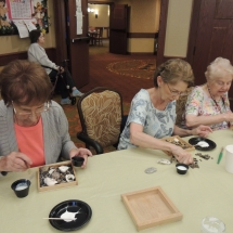 Shoreview Senior Living-Lunch and Crafts (5)