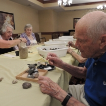 Shoreview Senior Living-Lunch and Crafts (9)