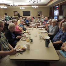 Made to Order Breakfast and Fun with Trudi-Shoreview Senior Living (2)