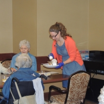 Made to Order Breakfast and Fun with Trudi-Shoreview Senior Living (3)