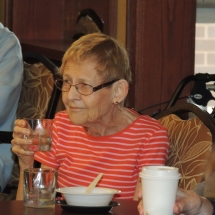 Happy Hour with Barbra Lee-Shoreview Senior Living (11)