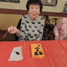 Halloween Crafts-Shoreview Senior Living (14)